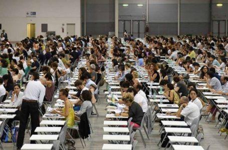 Concorso per 32mila docenti precari dopo l'estate: l'intesa raggiunta nella notte